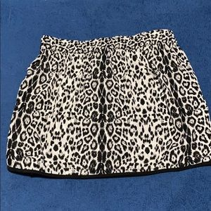 Size M Polyester Skirt